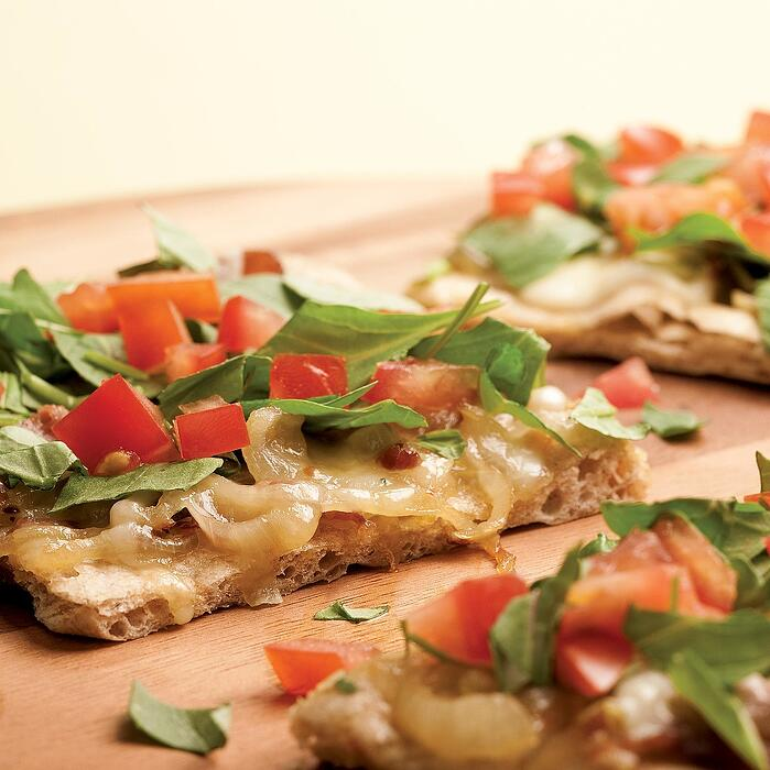 arugula and prosciutto pizza